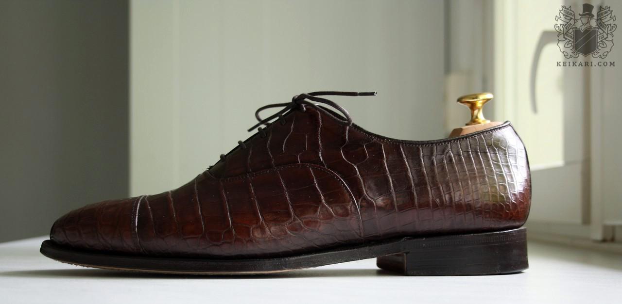Crocodile_leather_shoes_by_Churchs_model_Consul_last_100c.jpg