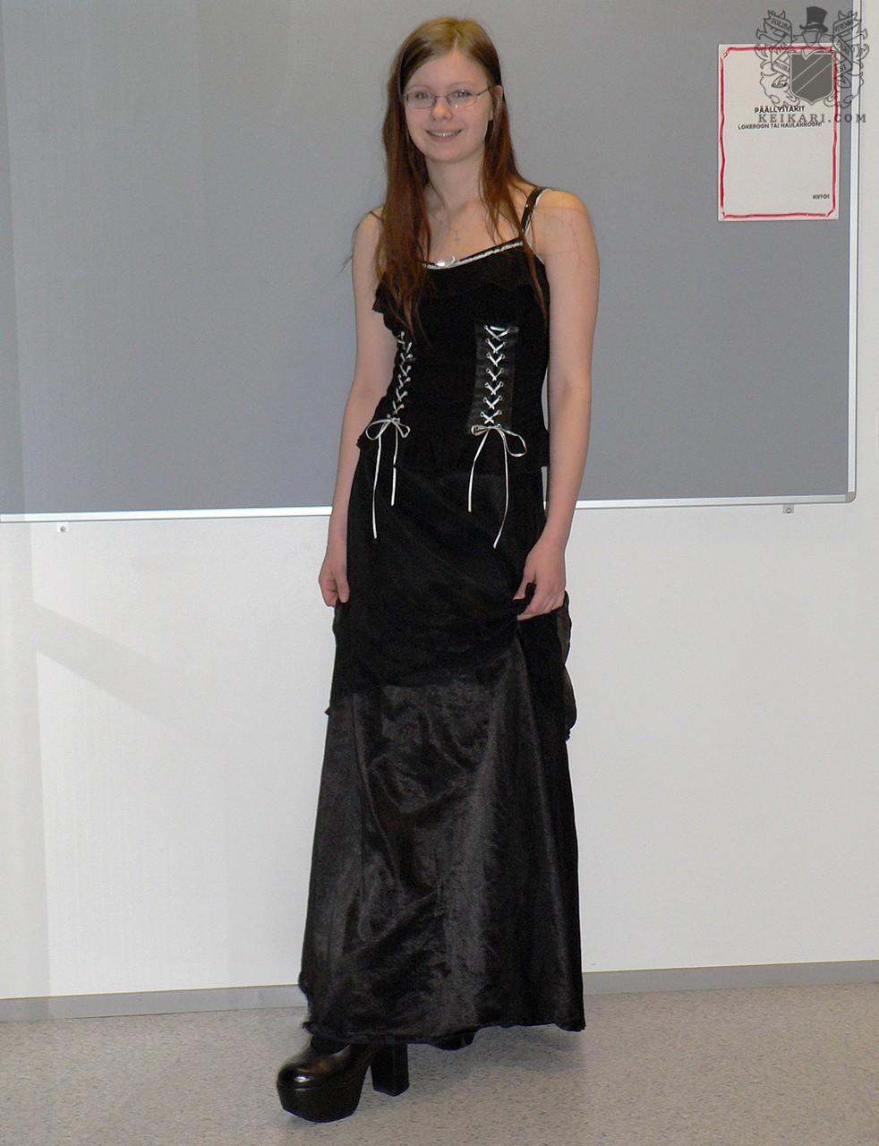 Tikkurilan_lukion_Tyylit_2005-näyttely_Anna2