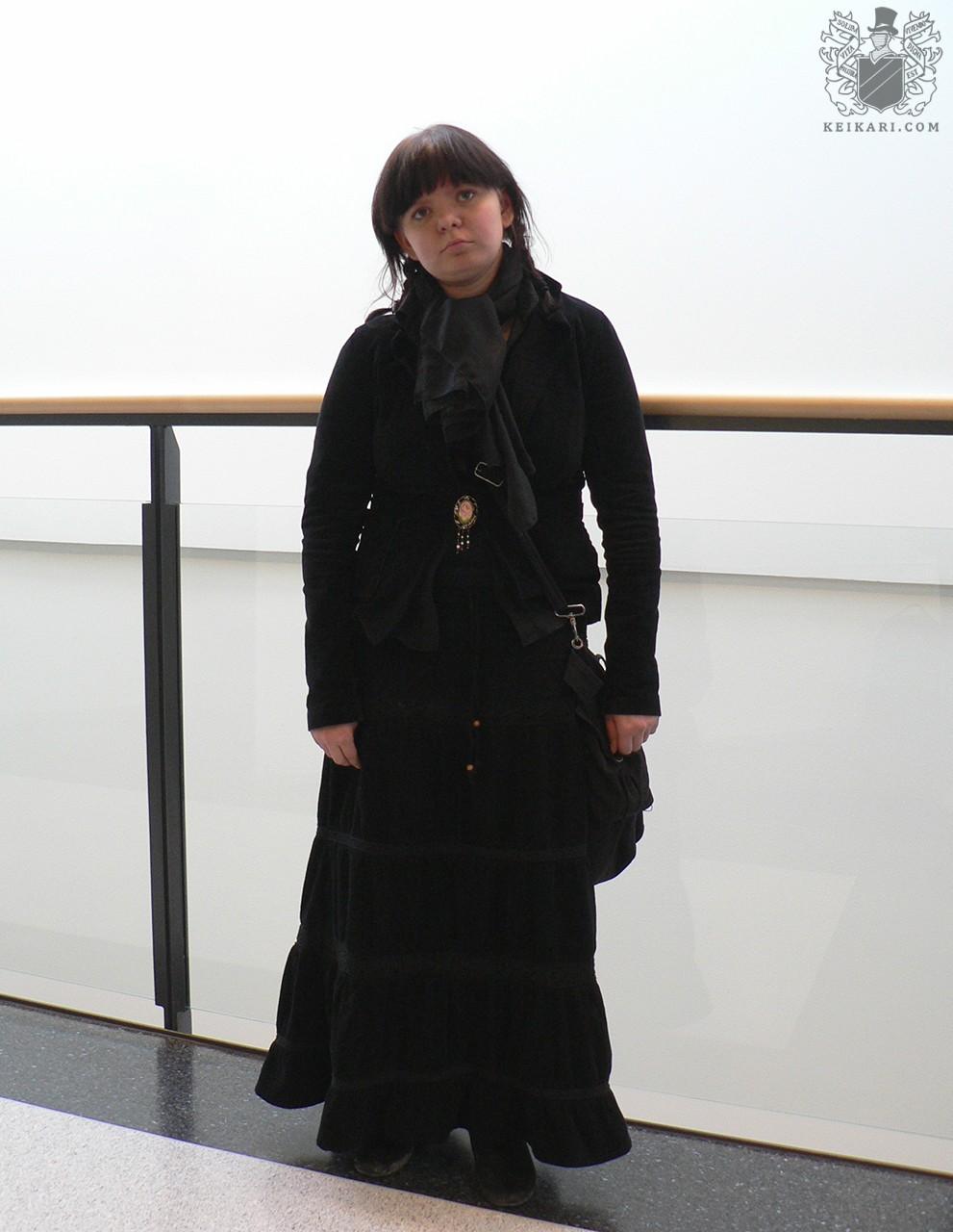 Tikkurilan_lukion_Tyylit_2005-näyttely_Hanne