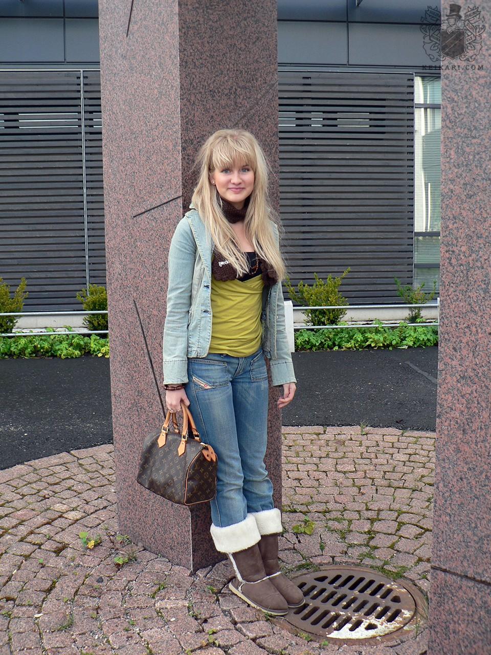 Tikkurilan_lukion_Tyylit_2005-näyttely_Johanna