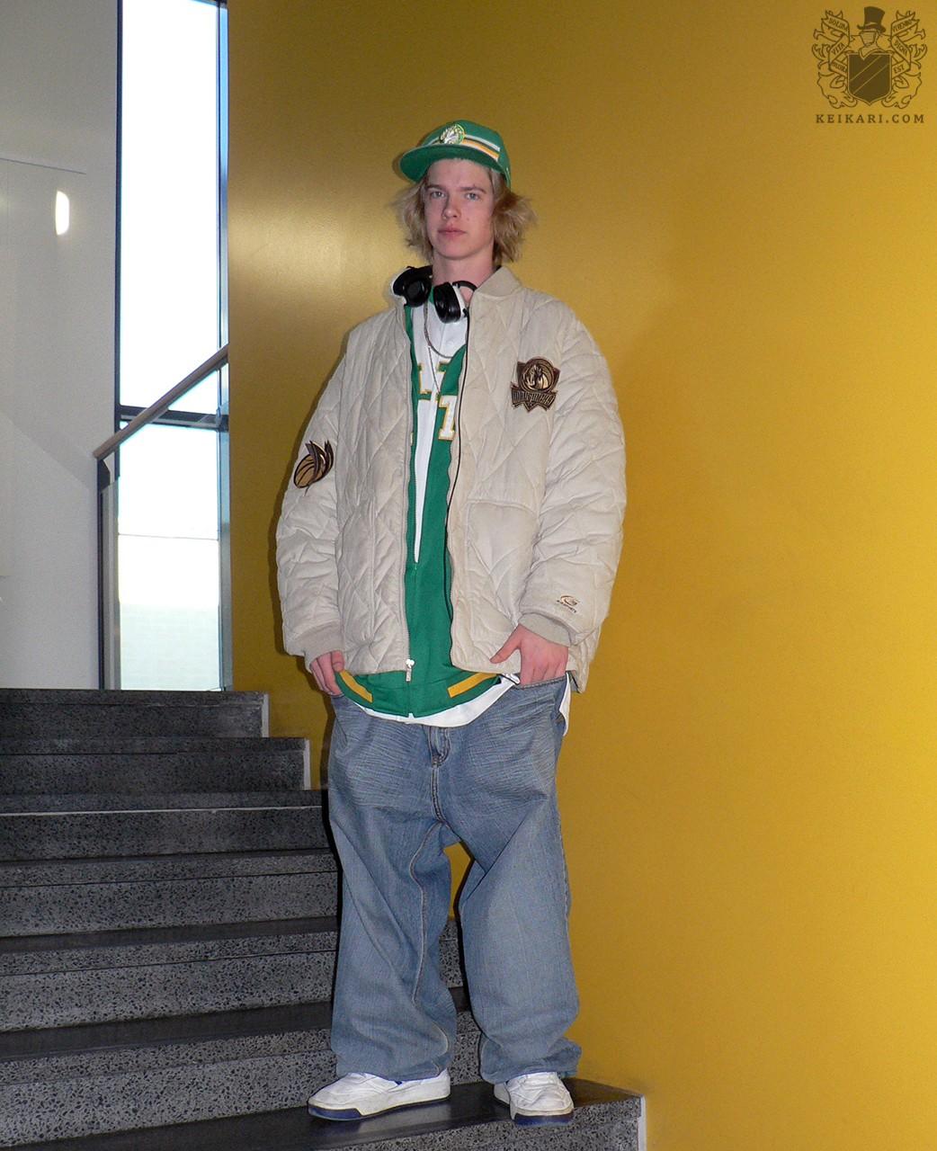 Tikkurilan_lukion_Tyylit_2005-näyttely_Peter
