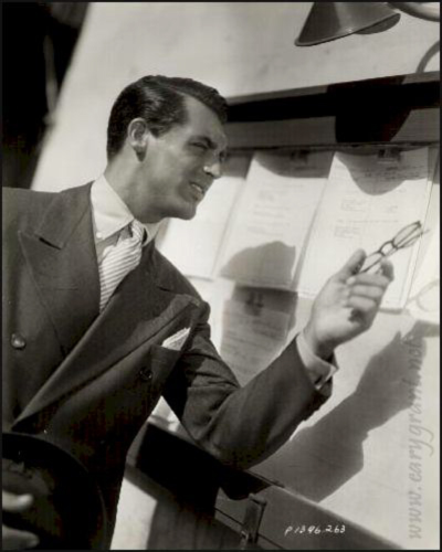Cary_Grant's_button-down_shirts_with_French_cuffs_at_Keikari_dot_com