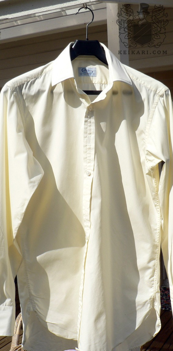 Cream_and_grey_shirt_at_Keikari_dot_com