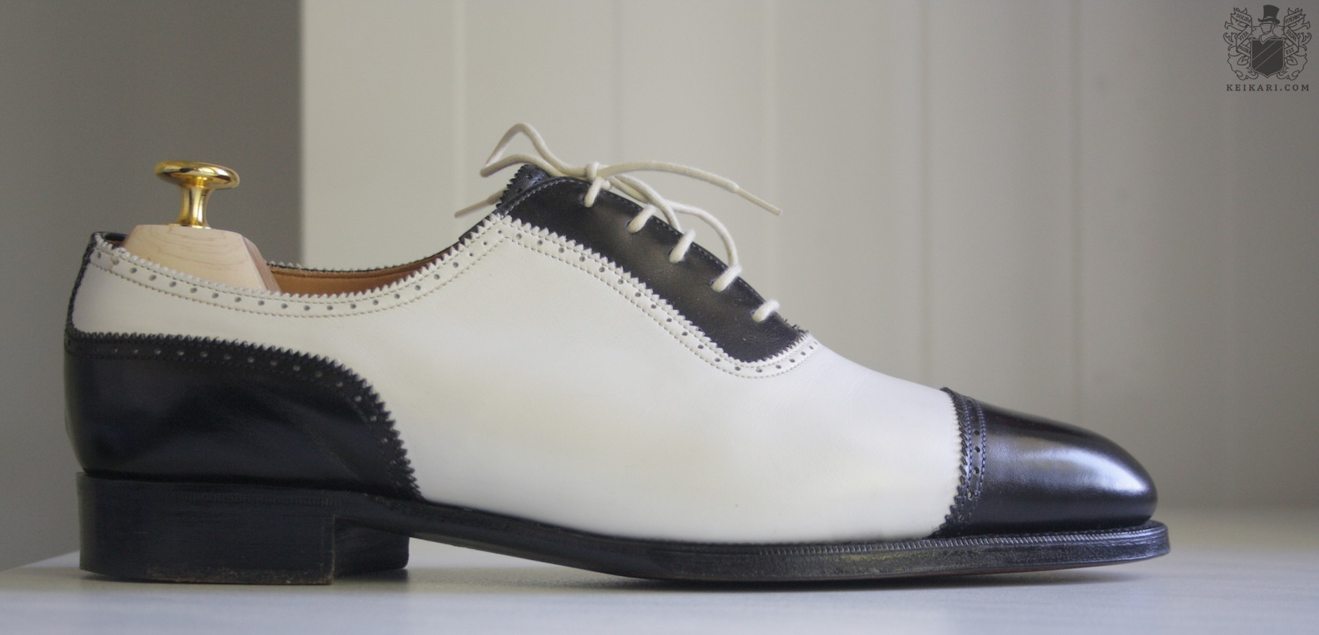 Edward_Green_blackwhite_prototype_spectator_shoes_from_Keikari_dot_com06.jpg